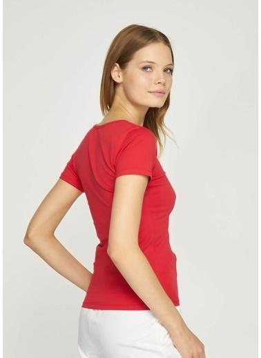 Tiffany&Tomato V Yaka Kısa Kollu T-Shirt Kırmızı